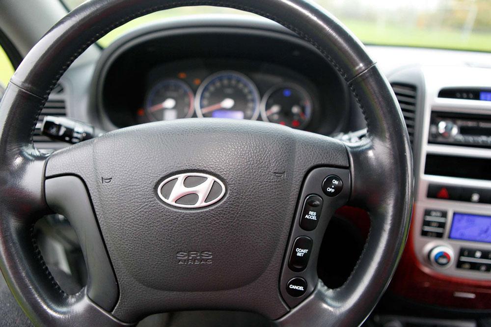 Hyundai-salon-foto