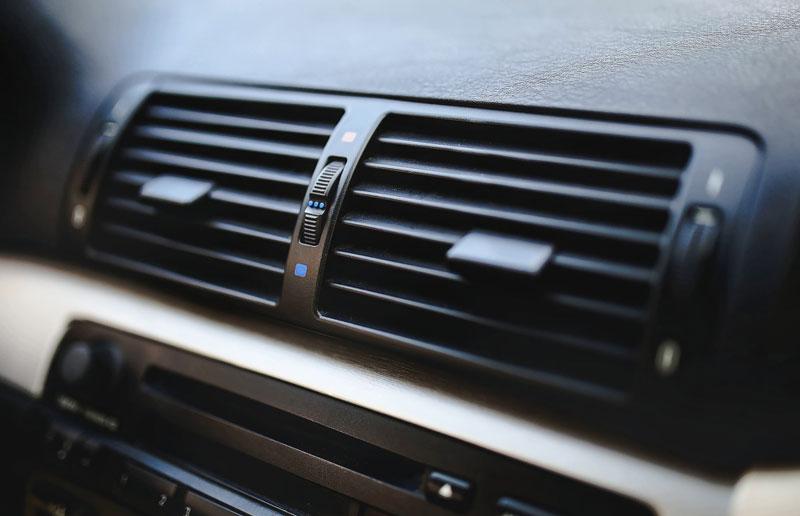 dezinfekciya-i-chistka-kondicionera-avtomobilya